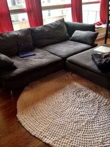 oversized crochet rug with t-shirt yarn